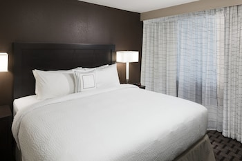 Guestroom at Residence Inn by Marriott Dallas Plano/Richardson in Plano