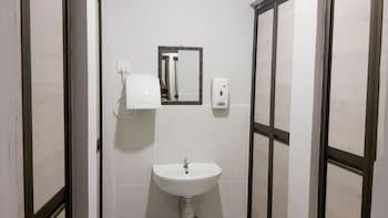 Travelogue KL - Hostel - Bathroom  - #0