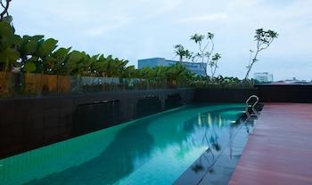 Hotel Santika Radial Palembang - Pool  - #0