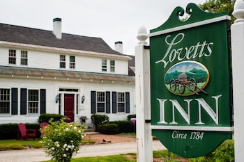 Lovetts Inn