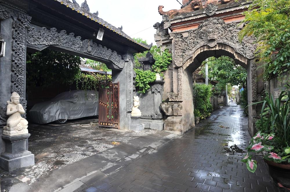 Airy Eco Kuta Kartika Plaza Gang Pendawa 2 Bali