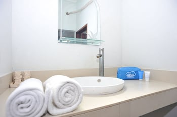 Airy Eco Kuta Kartika Plaza Samudra 6 Bali - Bathroom  - #0