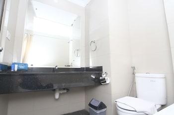 Airy Harbour Bay Duyung Batam - Bathroom  - #0