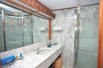 Airy Ubud Hanoman Padang Tegal Bali - Bathroom  - #0