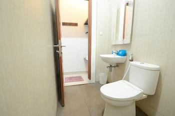 Airy Eco Gatot Subroto Halimun 12 Bandung - Bathroom  - #0
