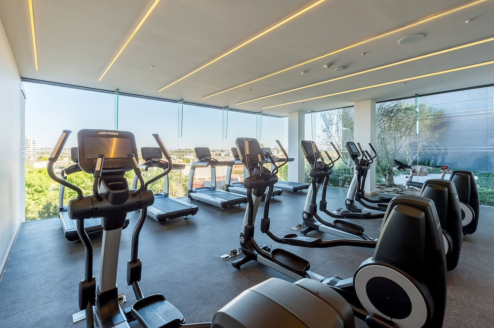 Health and Fitness : Gym 46 of 121