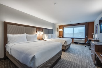 Suite, 2 Queen Beds, Accessible, Non Smoking (Hearing, Roll-In Shower)