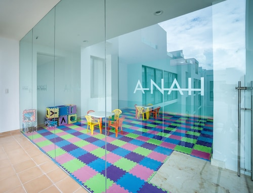 ANAH By Bric, Cozumel
