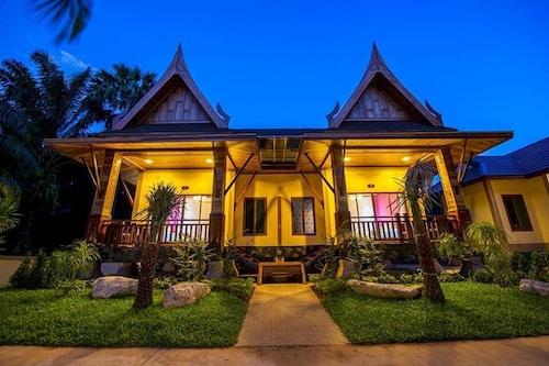 . Dusit Phuphaya Resort