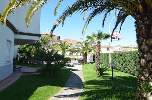 . Hotel Toscano
