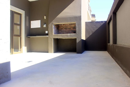 Discovery Riverlets Apartment, Windhoek East