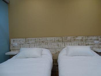 Urban Burgos - Guestroom  - #0