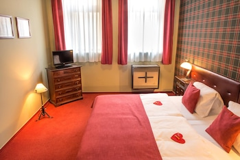 Standard Double or Twin Room (with Kitchenette)