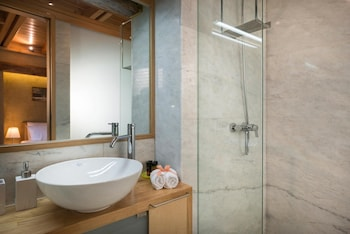 Neoria Houses - Bathroom  - #0