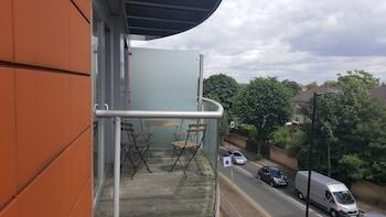 Latitude Serviced Apartments - Balcony  - #0