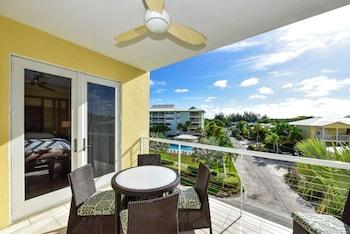 Premier Condo, 3 Bedrooms, Courtyard View