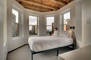 Guestroom at Hotel Hive in Washington