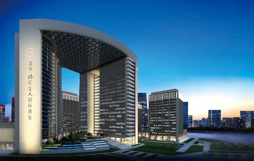 . Grand Skylight International Hotel