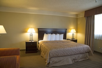 Guestroom at Lodge of La Mesa (A Quiet Hotel For Adults Only) in La Mesa