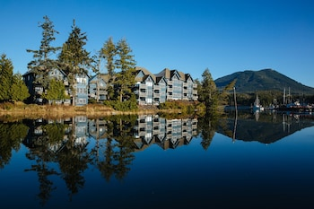 Embarc Ucluelet - Featured Image  - #0