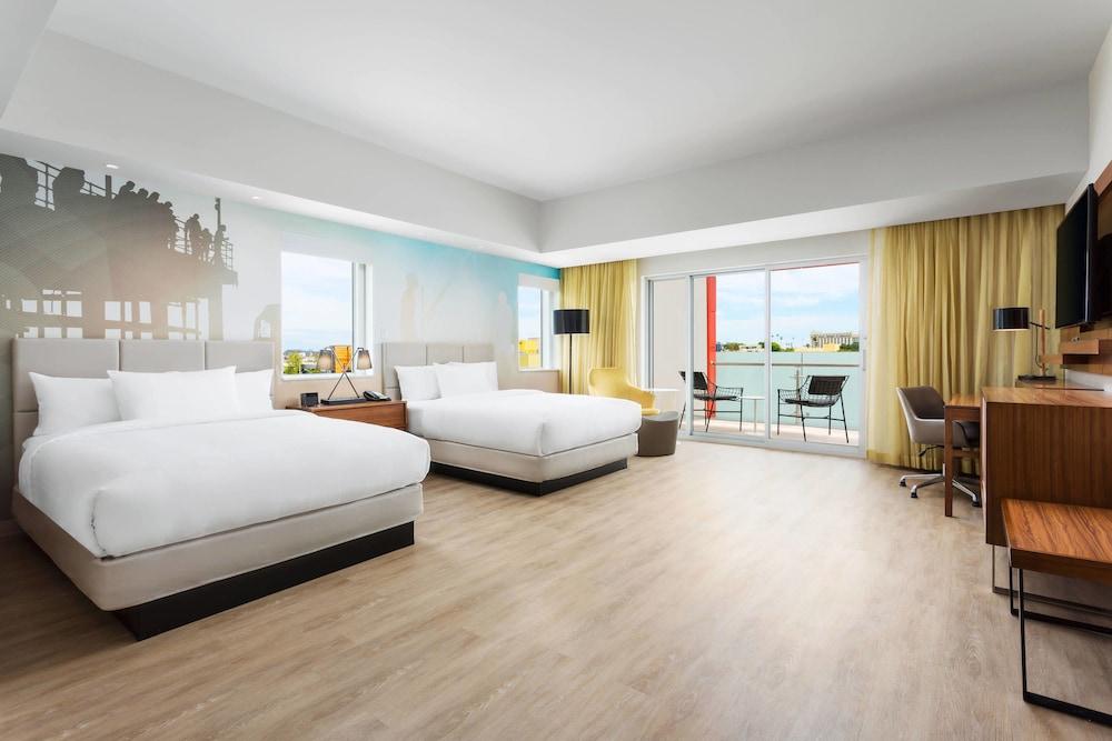 https://i.travelapi.com/hotels/17000000/16130000/16121100/16121005/fb35f16b_z.jpg