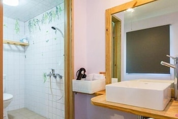 Anping Canal 7 - Bathroom  - #0