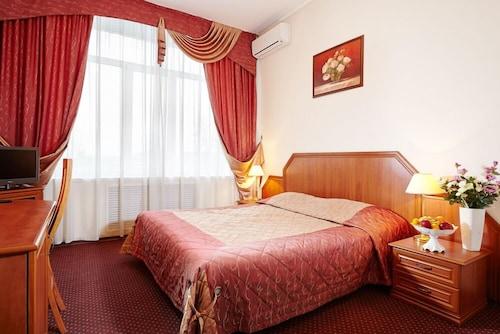 . Vladimirskaya Hotel