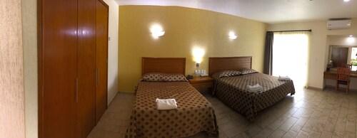 Hotel JS, Yautepec