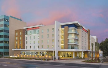 加利福尼亞埃爾塞貢多洛杉磯國際機場歡朋套房飯店 Hampton Inn & Suites LAX El Segundo, CA