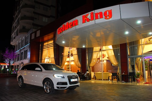 Hotel Golden King, Merkez