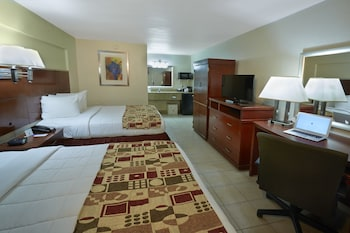 Guestroom at Flamingo Express Hotel in Kissimmee