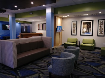 Lobby Lounge at Holiday Inn Express & Suites Dallas Northeast - Arboretum in Dallas