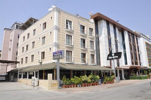 Ugur Hotel, Merkez