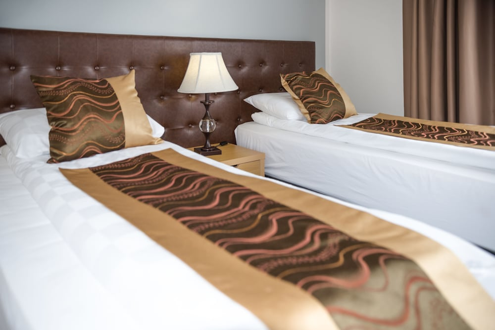 https://i.travelapi.com/hotels/17000000/16150000/16149600/16149556/5a994ab2_z.jpg