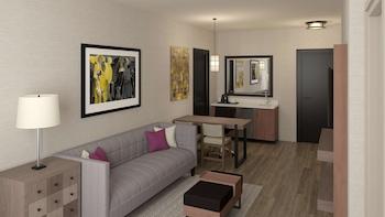 Deluxe Studio Suite, 1 King Bed, Accessible