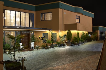 Zenith Boutique Lodge & Spa - Hotel Front - Evening/Night  - #0