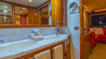 Miami Beach Luxury Yacht Charters - Bathroom  - #0