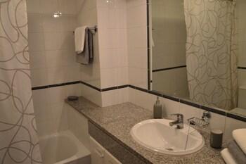 Portugal Algarve Beach Apartment - Bathroom  - #0