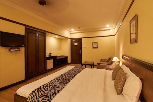 Lytton Hotel, Kolkata