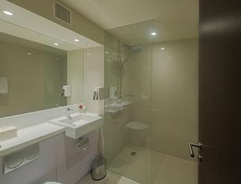 Olympic Renotel Sentul - Bathroom  - #0