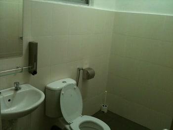 Orange Pekoe Guesthouse - Bathroom  - #0