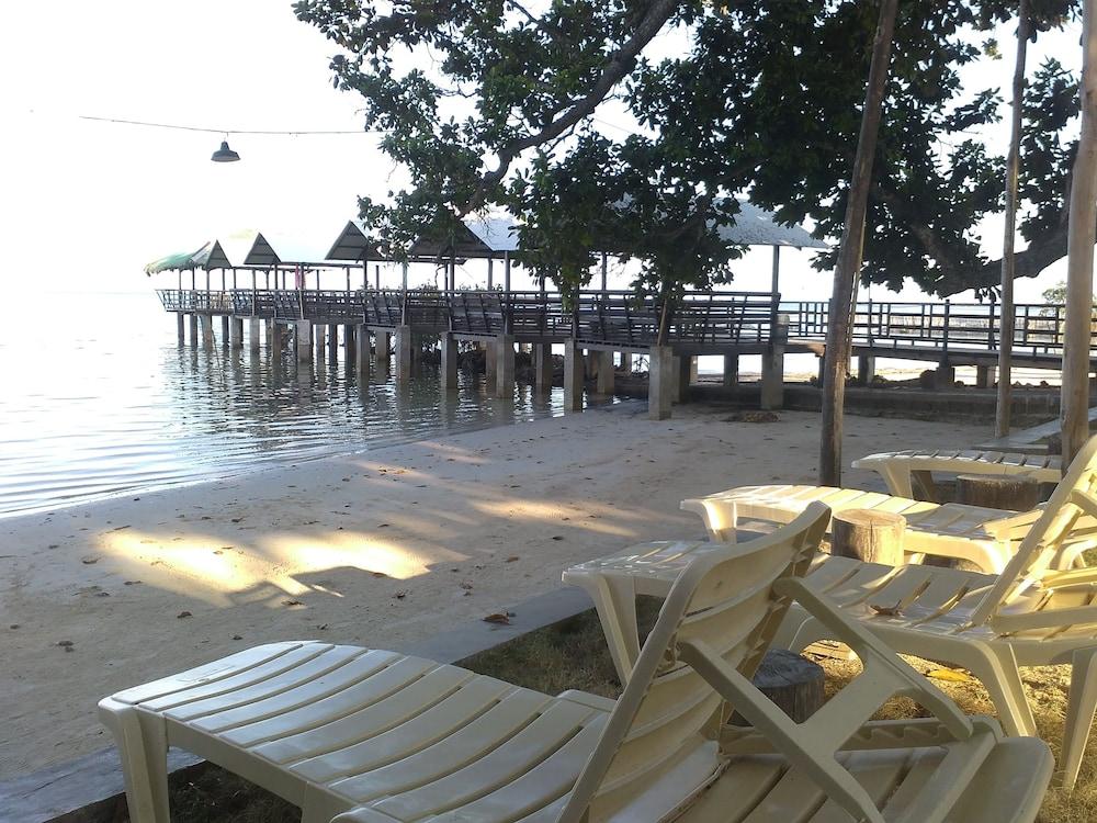 Hotel Palawan Seaview Resort