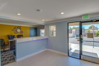 Vagabond Inn Executive Hayward - Interior Entrance  - #0