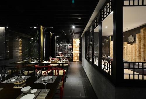 The Chi Boutique Hotel, Hoàn Kiếm
