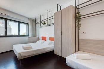 Room, Connecting Rooms (4 people)