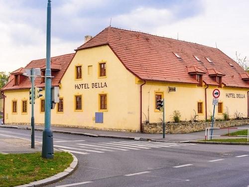 . Hotel Bella