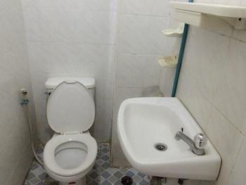 Lao Chaleun Hotel - Bathroom  - #0