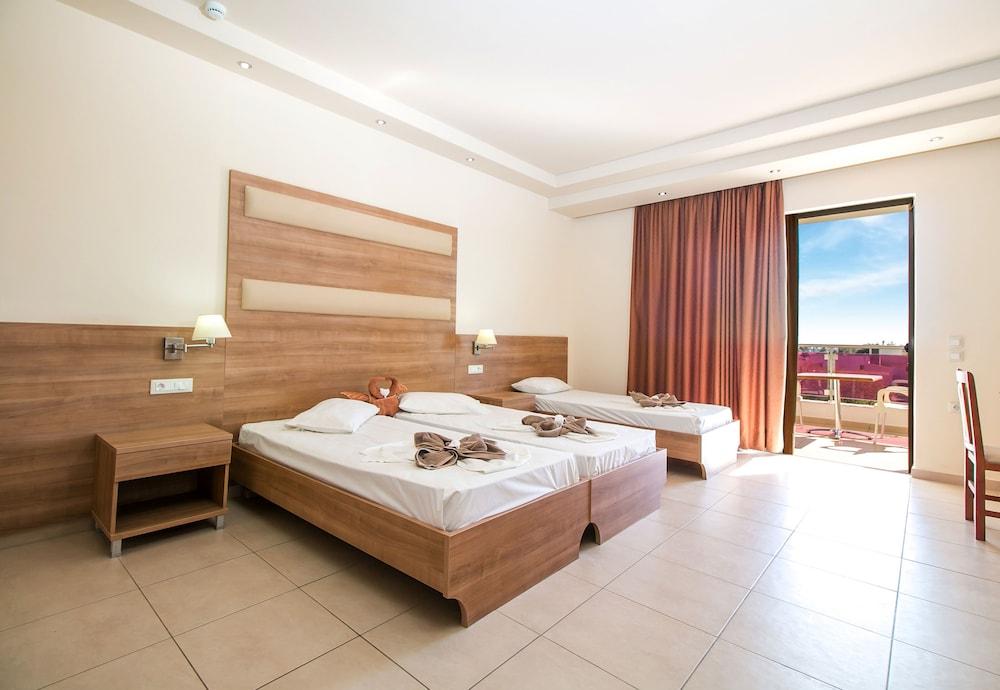 Stamos Hotel