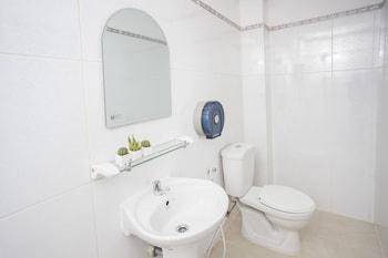 Pacific Vientiane Hotel - Bathroom  - #0