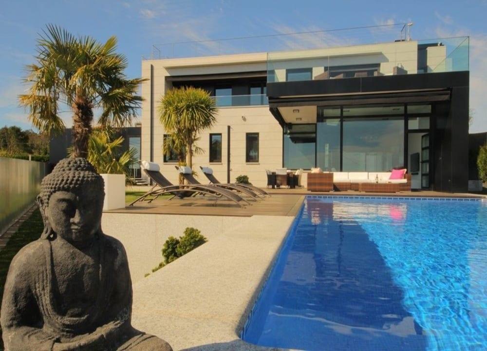 Sanxenxo 101120 5 Bedroom Villa By Mo Rentals